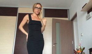 skinny-girl-erotic-scat-play-dirty-anal-masturbates