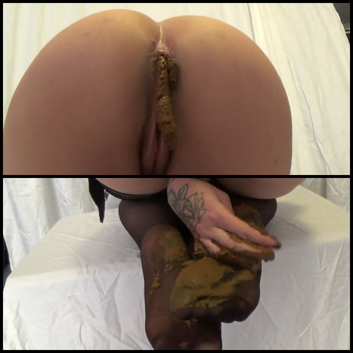 Smearing shit on the legs and tasty ass – FULL HD 1080p (DirtyBetty)