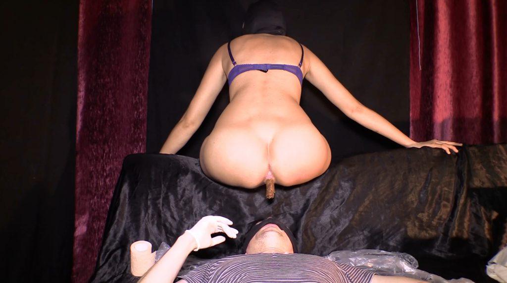 Mistress Diana 020-2
