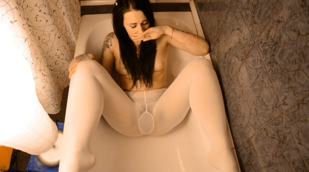 Girl in pantyhose shitting in bath and smearing feces on body - DirtyBetty - 1
