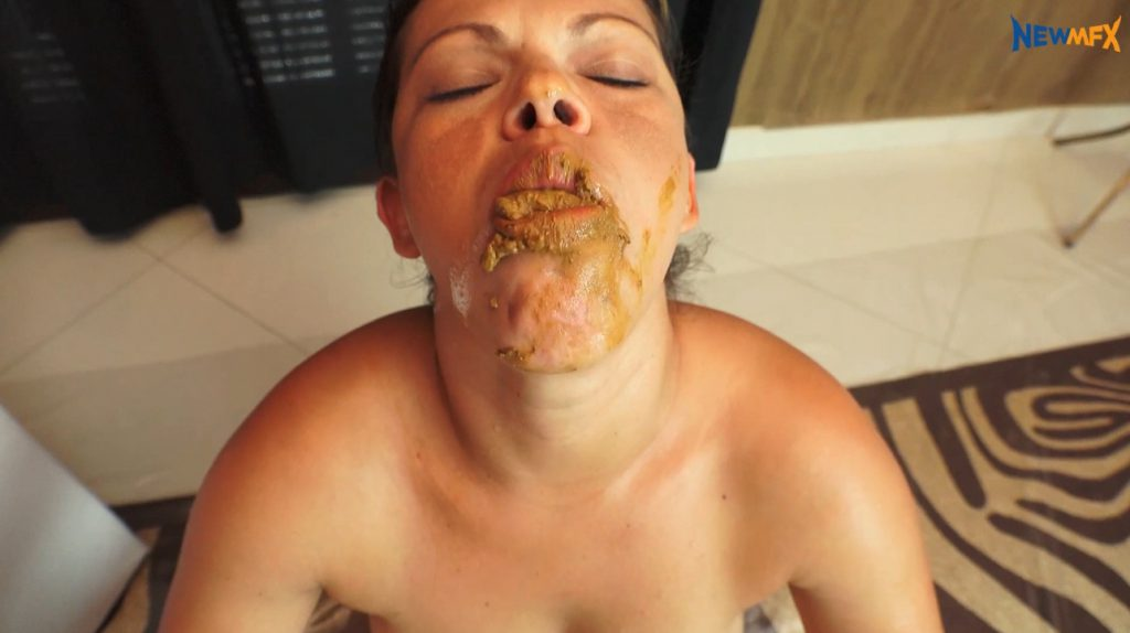 Mistress giving slavegirl lots of shit in mouth to swallow - 3