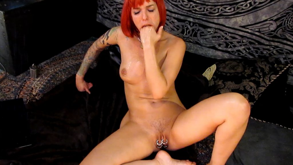 Abigail Dupree - Anal Fisting Finger Gagging (Accidental) Barf Lunch in 1080p-5
