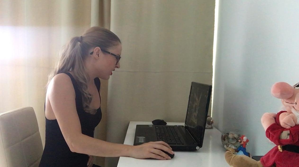 Ella Gilbert – Dirty at the office (HD-720p)