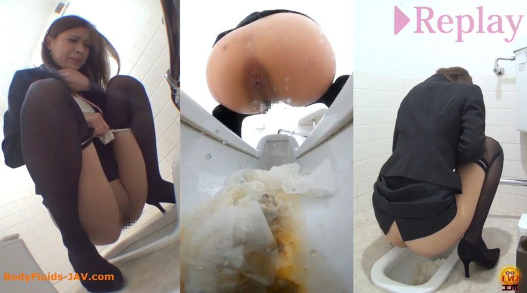 Exciting video of pooping japanese womens in a public toilet room - 4