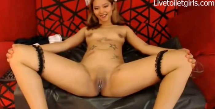 Nasty Chinky Toy - Live scat girls (scat porn show for you) 2