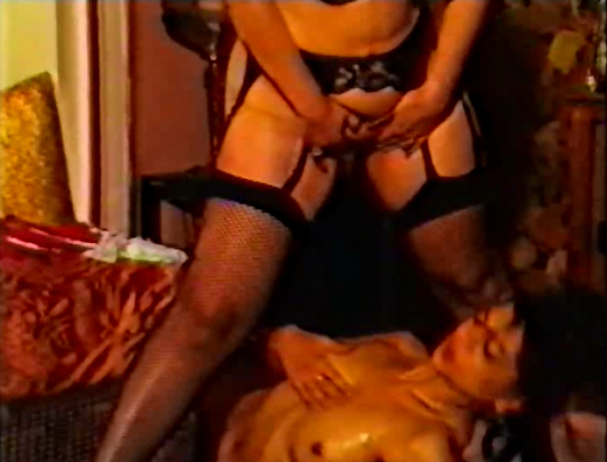 Oh-La-La! Pipi - WM Video Special (Retro Pissing Movie) - 5