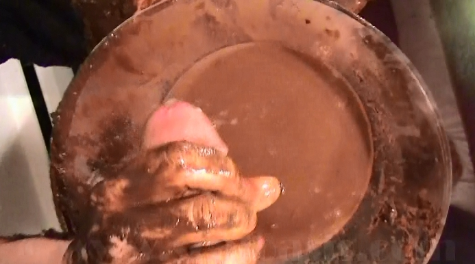 Peeing and Shitting in One Extreme Toilet Fetish Video - 6