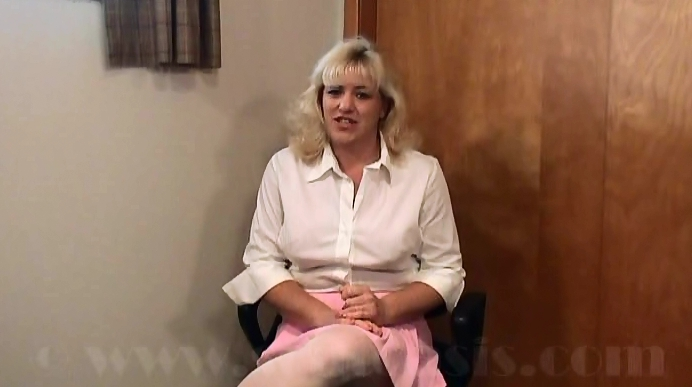 Trick Interview from Scat and Piss Loving MILF - Retro Extreme Fetish Porn 1