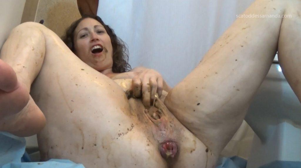 Masturbation Of The Clit To Shit - 2
