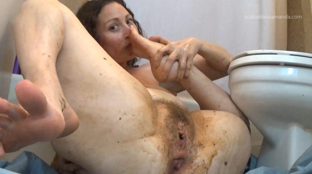 Masturbation Of The Clit To Shit - 4