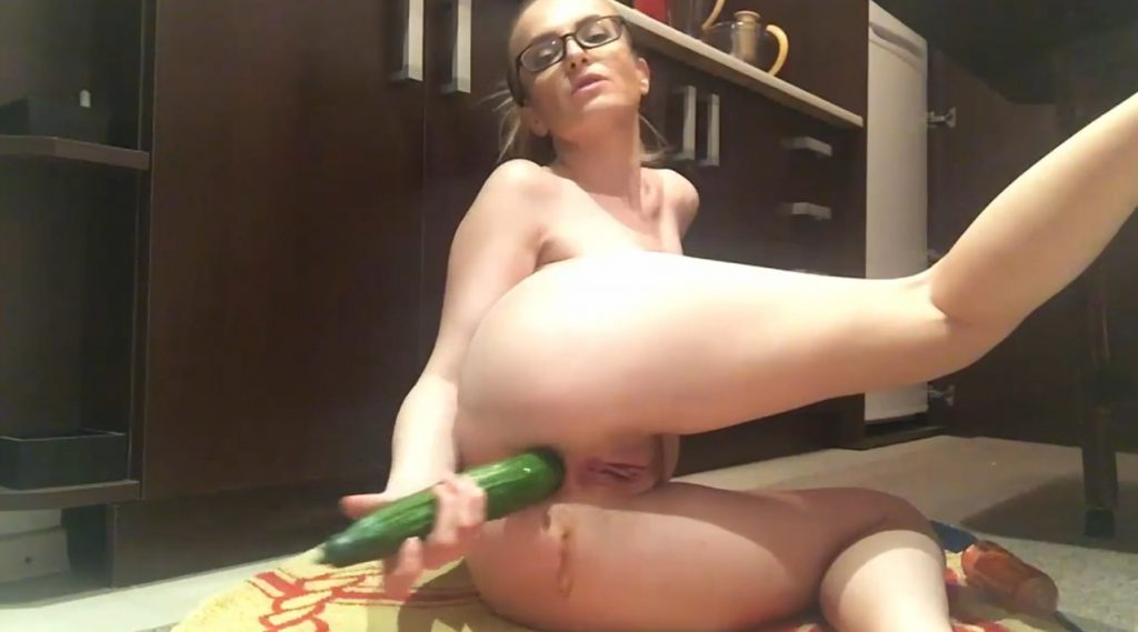 Shitty Cucumber In The Kitchen - 3