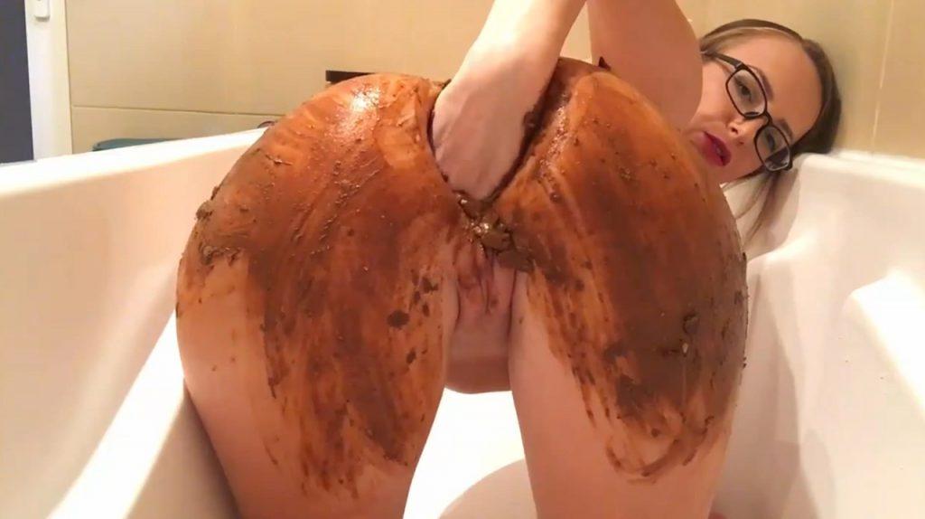 Smearing In Bathtub - 3