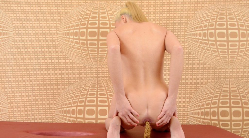 Scat Erotic Play - Enormous Big Scat By Melania (HD-720p) - 3