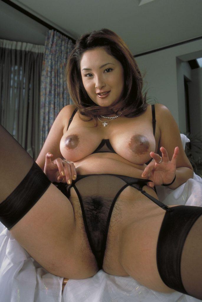 徳井唯 Yui Tokui & 持田涼子 Ryoko Mochida - Picture 1