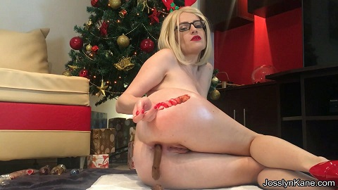 Merry Xmas - Candies makes me cum and shit - Image 2