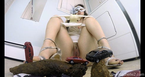 Giantess Shits On Traffic (FULL-HD) Picture 4