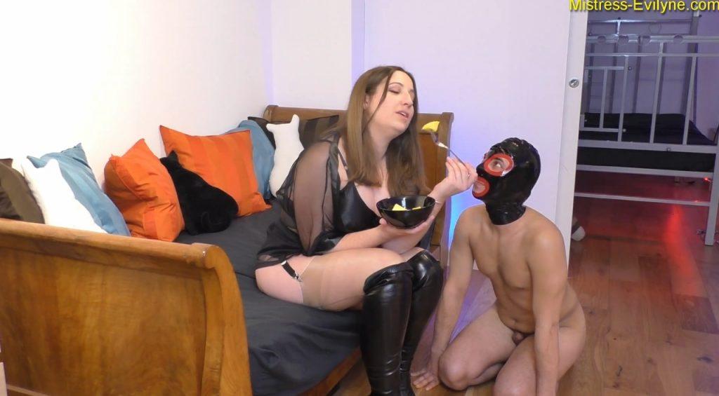 Mistress Evilyne – Italian Shitbag (BBW scat in FULL HD 1080p)