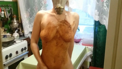 Brown wife - Smearing shit in a gas mask (Russians Scat, Extreme Porn, Cumshots) Picture 2