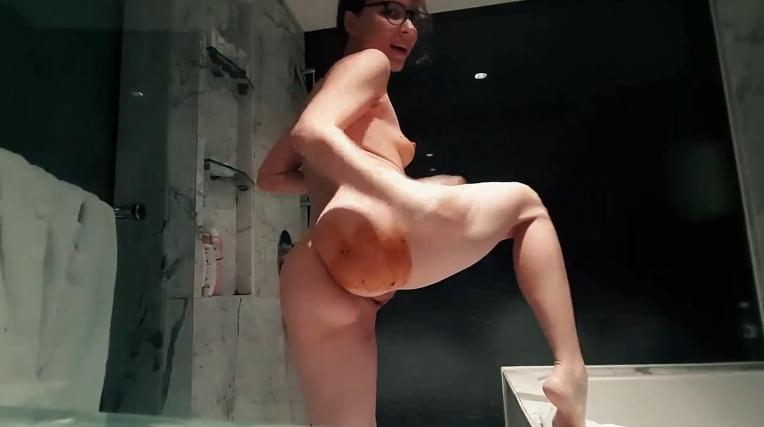 LittleMissKinky - Kinky Girls have more fun (1080p) Image 3