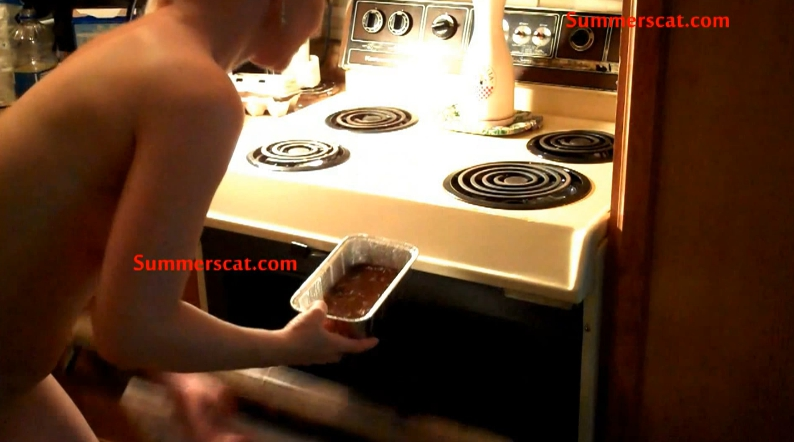 Watch me prepare my delicious brownies (Cosmic Girl Summer) Image 3