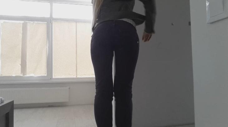 Blonde dundup jeans poop - Thefartbabes (Full HD 1080p) Image 1