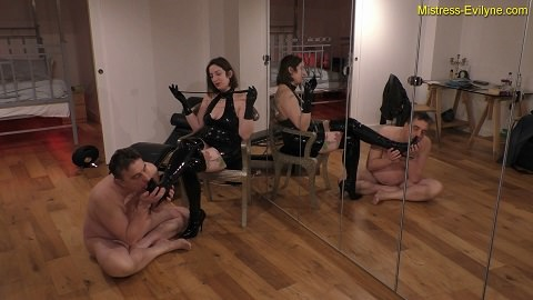 Feeding Time – Mistress Evilyne (Femdom – 1080p)