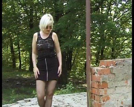 SG-Video Solo Scat Girls By The Housewife Amateur Angela
